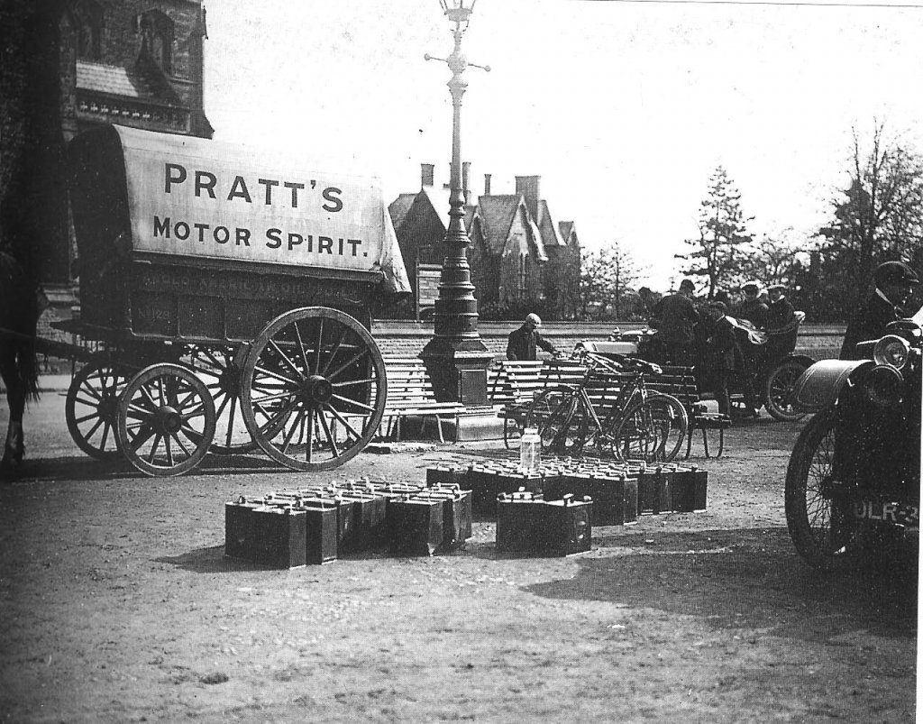 pratts-petrol-cart-and-cans