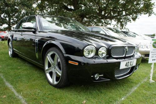 Ray Collins - Jaguar XJ8 (X358)